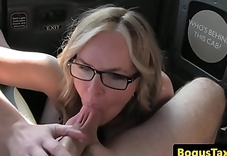 Cocksucking taxi MILF pussyfucked in backseat