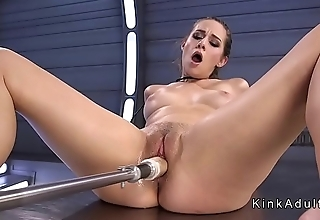 Adorable babe cums from fucking machine