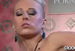 Gilr'_s pussy licked, booty toyed