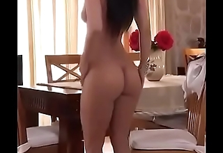 Sexy Arab Girl Posing Nude on Arabic Song - tnaflix.live