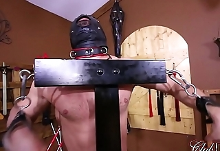 Turning Her Slave'_s Ass Red/ Draining Her Slave'_s Filth