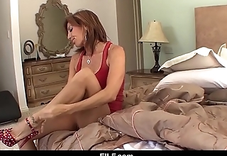 StepMom and StepDaughter get each other off