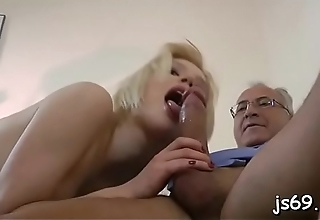 Horny schoolgirl can'_t live without her dad