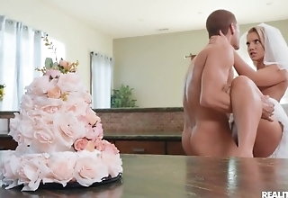 Slutty bride enjoys hardcore sex in the kitchen