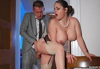 Deepthroating and anal sex with hot curvy wife